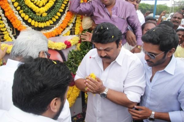 Prabhu And Vikram Prabhu At Shivaji Statue