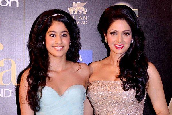 Jhanvi Kapoor,Jhanvi Kapoor unseen photos,Jhanvi Kapoor hot photos,Jhanvi Kapoor rare photos,sridevi daughter new photos,sridevi boney kapoor