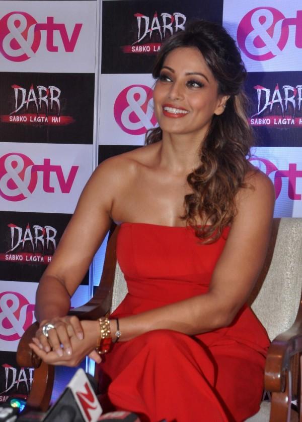 Bipasha Basu to narrate horror series on TV? - The