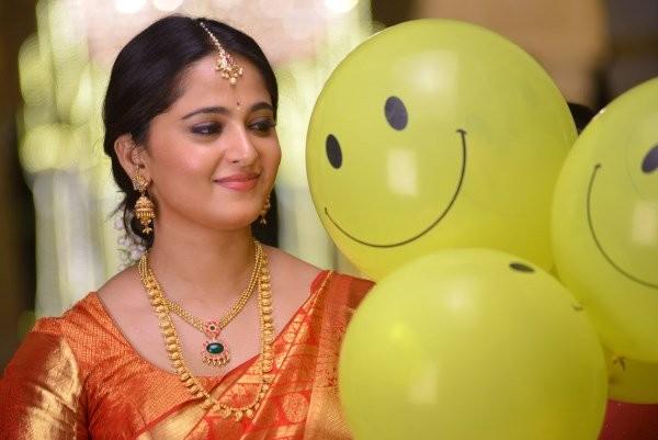 Anushka Shetty,actress Anushka Shetty,Size Zero,Inji Iduppazhagi,Anushka Shetty in Size Zero,Anushka Shetty in Inji Iduppazhagi,Inji Iduppazhagi movie stills,arya