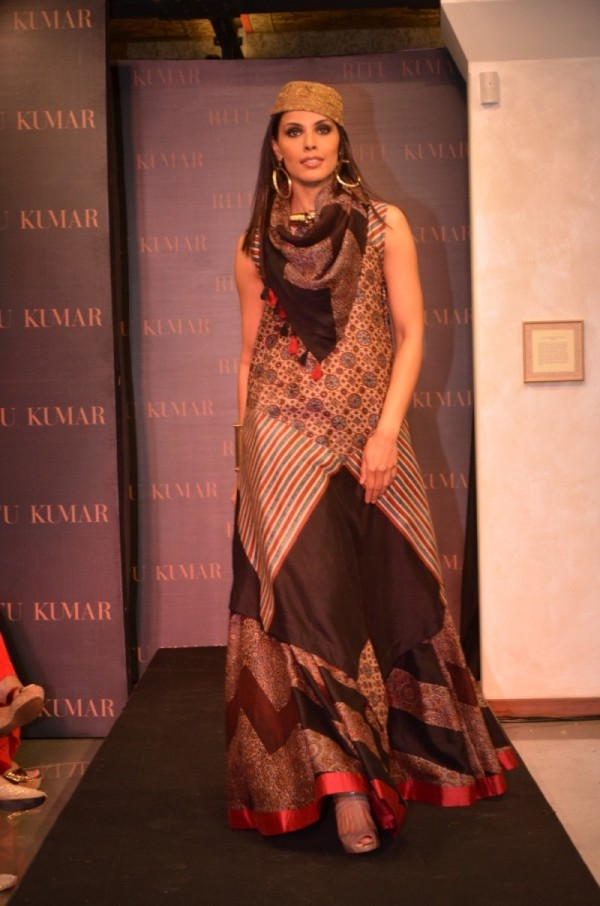 ritu kumar unveils  flagship store  kala ghoda