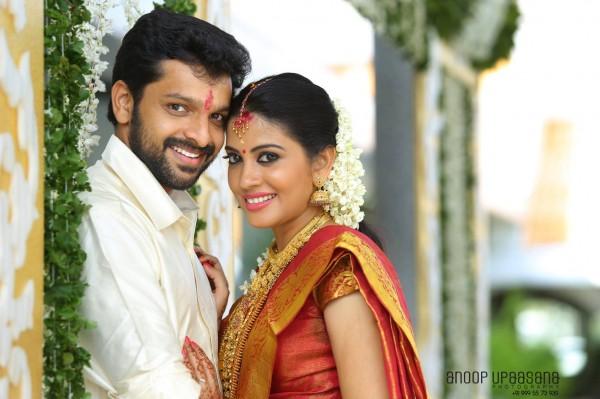 Baby Malayali Images: 'Nedunchalai' Actress Shivada Nair Weds Murali Krishnan