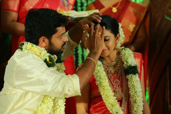 nedunchalai actress shivada nair weds murali krishnan