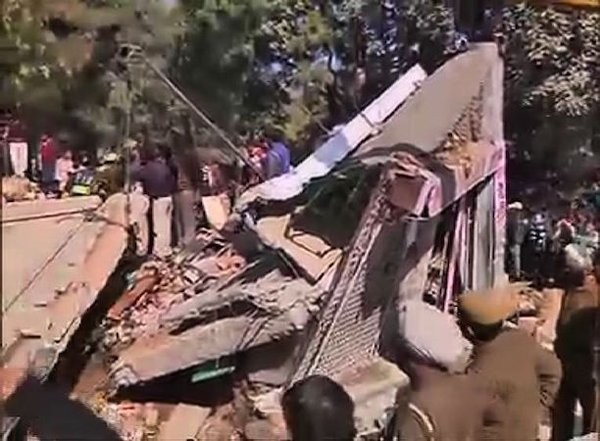 Collapses in Chandigarh,building collapses in Chandigarh,Building collapse,tavern building collapsed,six people killed