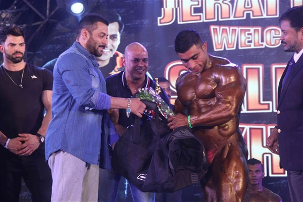 Salman Khan,actor Salman Khan,Salman Khan attends bodybuilding competition,Salman Khan at bodybuilding competition,BodyPower Expo,Body Building competition,Salman Khan At Specially Disabled Body Building