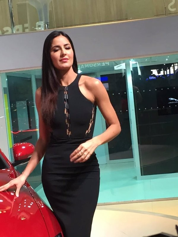 Katrina Kaif,Katrina Kaif launches Jaguar XE,Jaguar XE,Jaguar XE India,actress Katrina Kaif,bollywood actress Katrina Kaif,2016 Auto Expo,Auto Expo,Auto Expo 2016,Delhi Auto Expo 2016