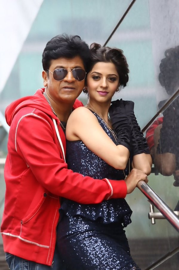 Shiva Rajkumar,Shivalinga,Shiva Rajkumar in Shivalinga,kannada movie Shivalinga,Shivalinga review,Shivalinga movie review,Shivalinga movie stills,Shivalinga movie pics,Shivalinga movie images,Shivalinga movie photos,Shivalinga movie pictures