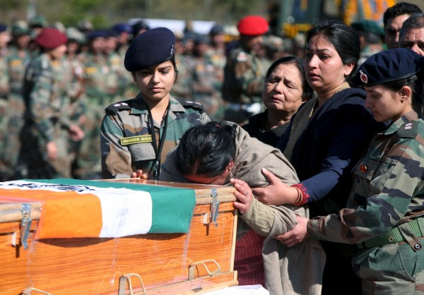 Elite Auto Credit >> Wreath laying ceremony of Pampore martyr Captain Tushar Mahajan - Photos,Images,Gallery - 38736