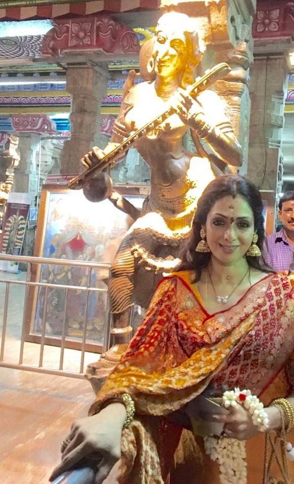 Sridevi Boney Kapoor,Sridevi Boney Kapoor visits Meenakshi Temple on Tamil New Year,Sridevi Boney Kapoor visits Meenakshi Temple,Sridevi visits Meenakshi Amman Temple,Meenakshi Amman Temple