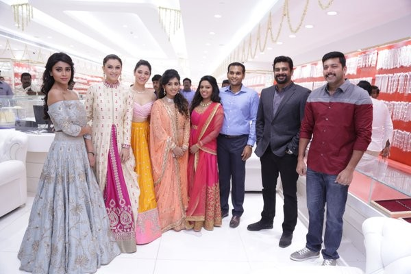 New Saravana Stores Inauguration,New Saravana Stores,Jayam Ravi,Hansika Motwani,Shriya Saran,Tamannaah Bhatia,R Madhavan,New Saravana Stores Inauguration pics,New Saravana Stores Inauguration images,New Saravana Stores Inauguration photos,New Saravana Sto