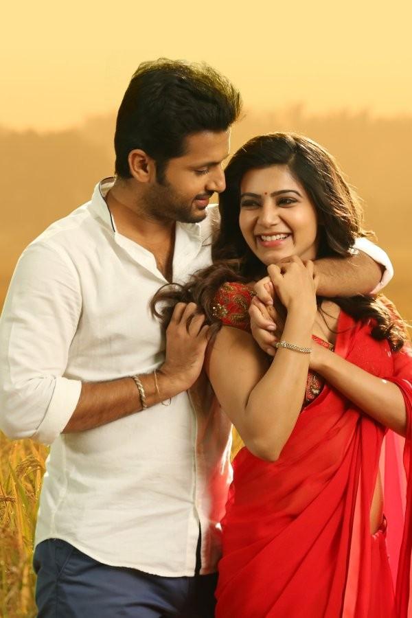 A… Aa' movie stills: Nithin, Samantha - Photos,Images,Gallery ...