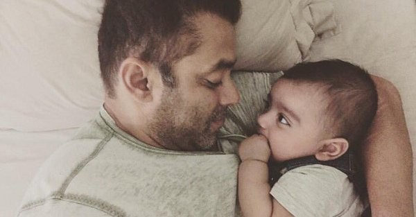 Salman Khan,Salman Khan teaches Sultan moves to his Nephew Ahil,Ahil,Sultan,Sultan moves to his Nephew Ahil,Nephew Ahil,Salman Khan with his Nephew Ahil,Salman Khan Nephew Ahil