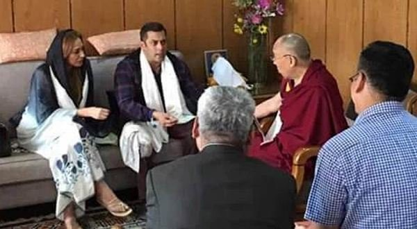 Salman Khan,Dalai Lama,Salman Khan meets Dalai Lama,Salman Khan with Dalai Lama,Salman Khan and Dalai Lama,Salman Khan in Ladakh,Salman Khan latest pics,Salman Khan latest images,Salman Khan latest photos,Salman Khan latest stills,Salman Khan latest pictu