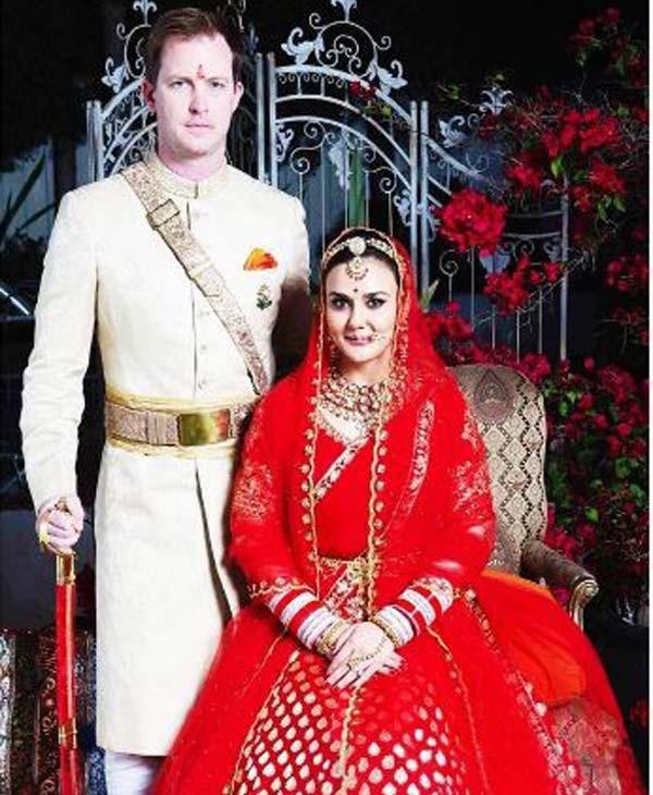 Preity Zinta,Preity Zinta Wedding pictures,Preity Zinta Wedding pics,Preity Zinta Wedding images,Preity Zinta Wedding stills,Gene Goodenough wedding pics,Gene Goodenough wedding images,Gene Goodenough wedding photos