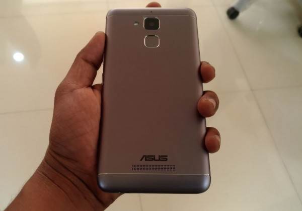 asus zenfone 3 max first look photos photos images gallery 52349. Black Bedroom Furniture Sets. Home Design Ideas