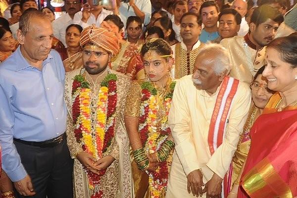 Bandaru Dattatreya's daughter's wedding,Bandaru Dattatreya's daughter's,Bandaru Dattatreya's daughter's marriage,Chiranjeevi,megastar Chiranjeevi,Pawan Kalyan,powerstar Pawan Kalyan