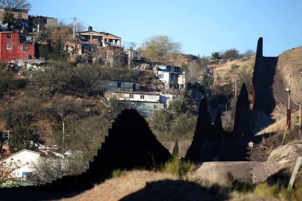 U S Border Town Built On Mexican Produce Photos Images