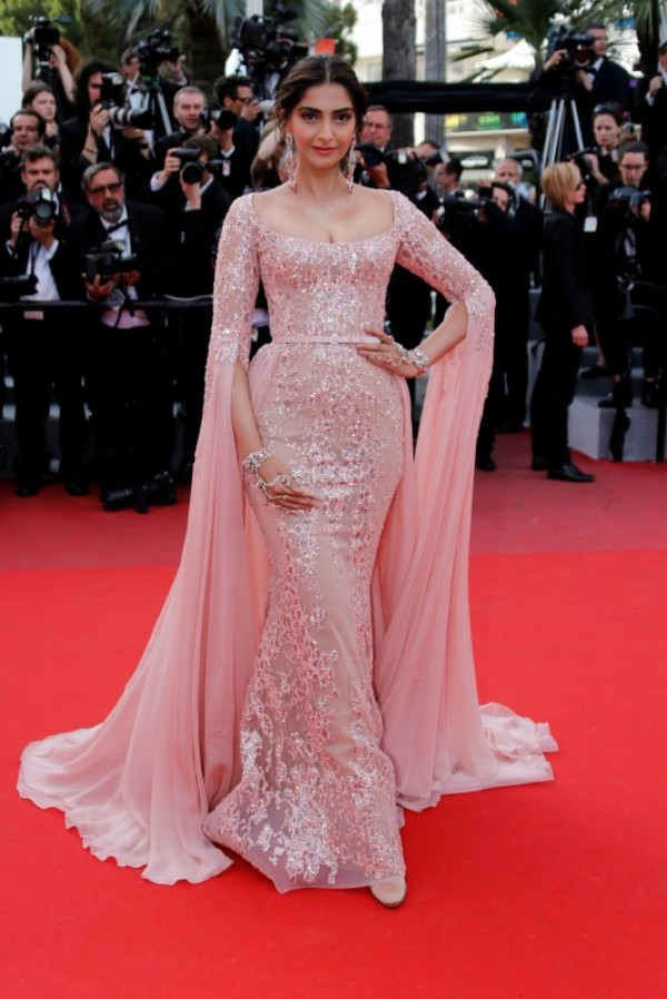 Cannes 2017 Fashion Queen Sonam Kapoor Looks Stunning As