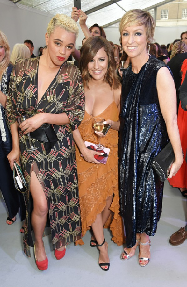 Glamour Awards 2017: Caroline Flack suffers MAJOR wardrobe ...