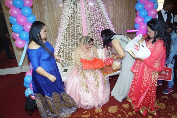 Baby Shower Ceremony Images ~ Bharti singh and haarsh limbachiyaa at mubeen saudagar s