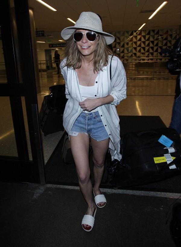 LeAnn Rimes Puts On A Leggy Display As She Returns From
