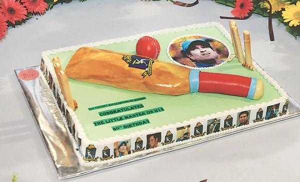 Birthday Cake Images Sachin : Sachin Tendulkar Rare and Unseen Birthday Celebration Pics ...