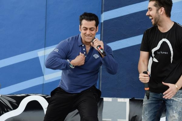 'Bigg Boss 8' Premeire Night: Salman Khan Reveals Official Contestants, Secret Society and Other Details