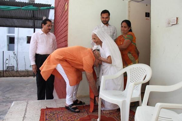 Modi seeks Mother's Blessings