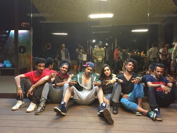 'ABCD 2' 'Behind-the-scene' Pictures: Candid Shots of Varun Dhawan, Shraddha Kapoor, Remo D'Souza and Other Casts