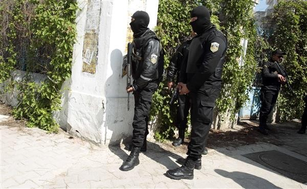 Tunisian security forces near the country's parliament.