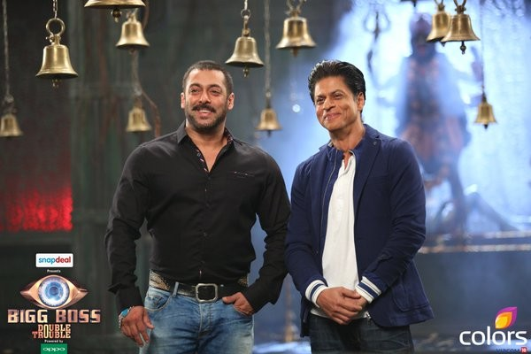 Shah Rukh and Salman on sets of Bigg Boss 9