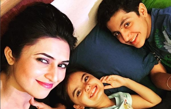"When ""Yeh Hai Mohabbatein"" shooting was stalled. Pictured: ""Yeh Hai Mohabbatein"" actress Divyanka Tripathi and child artiste Ruhaanika Dhawan."