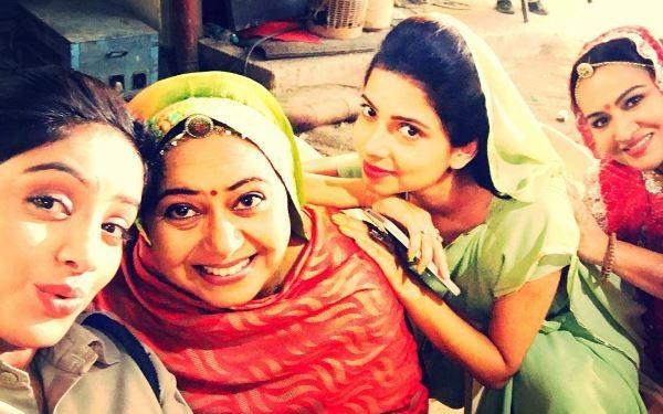 "Sandhya to rejoin her police duties on ""Diya Aur Baati Hum."" Pictured: ""Diya Aur Baati Hum"" actors Deepika Singh, Anas Rashid and Prachi Tehlan."
