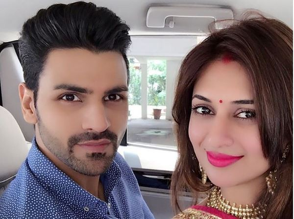 Divyanka and Vivek jet off to Udaipur for their honeymoon. Pictured: Newly wedded Divyanka Tripathi with her husband Vivek Dahiya