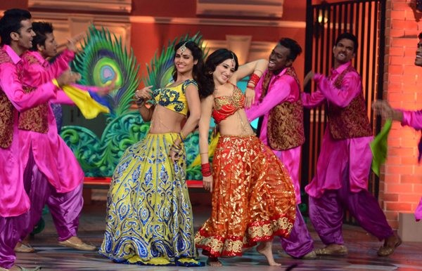 Promotion of 'Humshakals' on the sets of star plus's special episode 'Humshakal hasee house'