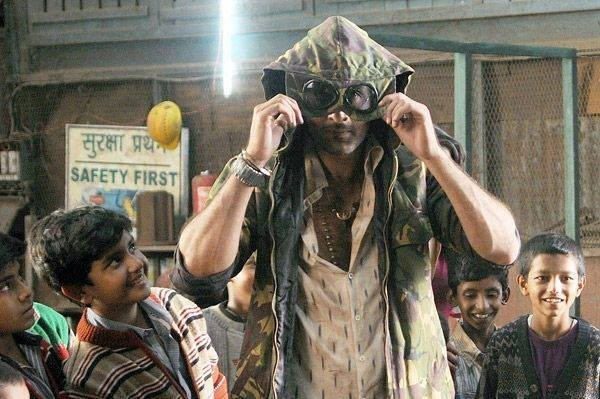 Ranbir Kapoor on the sets of Besharam. (Facebook Page of Bollywood's Biggest Fans Club – BBFC)