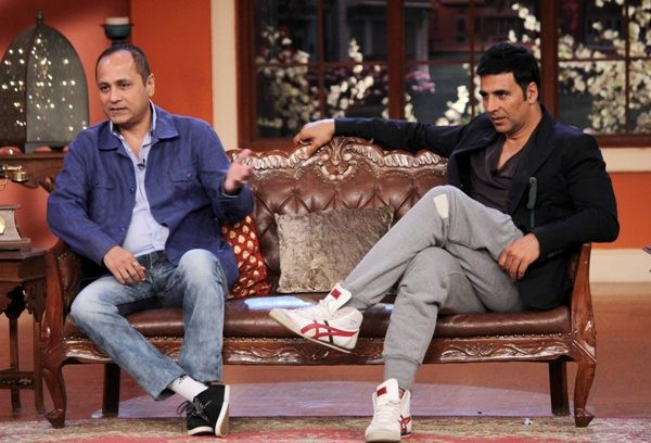 Akshay Kumar  with Vitul Shah Promote 'Holiday' on Comedy Night with Kapil
