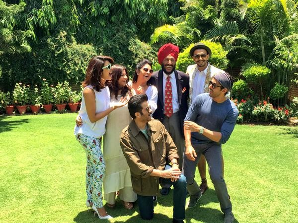 'Dil Dhadakne Do': Farhan, Priyanka, Ranveer, Anushka and Entire Star Cast Meet Milkha Singh