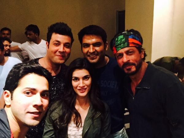 Kapil Sharma with 'Dilwale' team at 'Kis Kisko Pyaar Karoon' screening