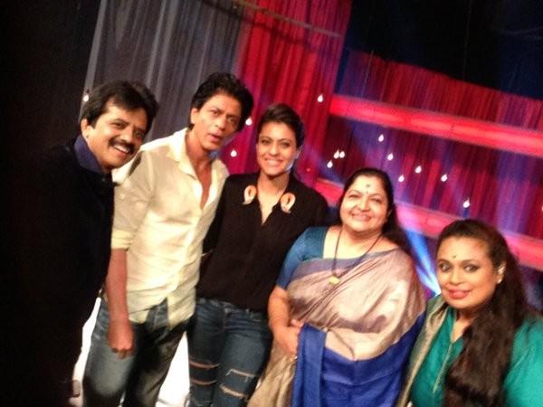 Shah Rukh Khan with Kajol on Vijay TV's 'Super Singer'
