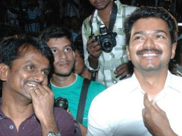 AR Murugadoss with Vijay