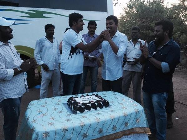 Vijay celebrates Sathish's birthday on the sets of 'Thalapathy 60'
