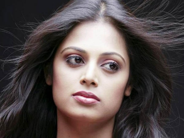 Actress Sindhu Menon booked for loan default