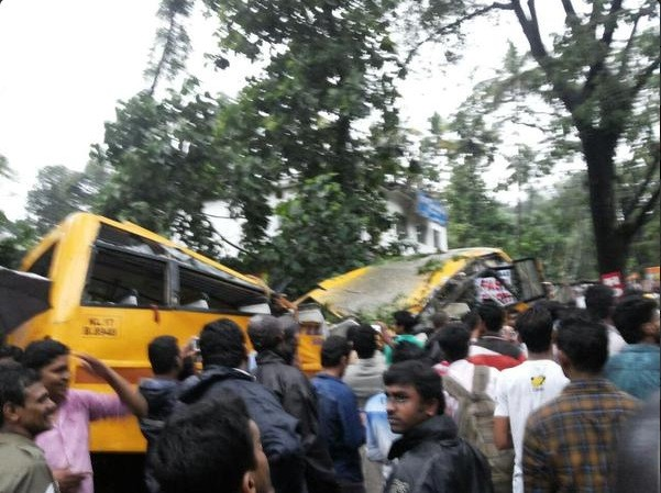 tree fall on bus