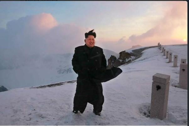 Kim Jong-un climbs mountain