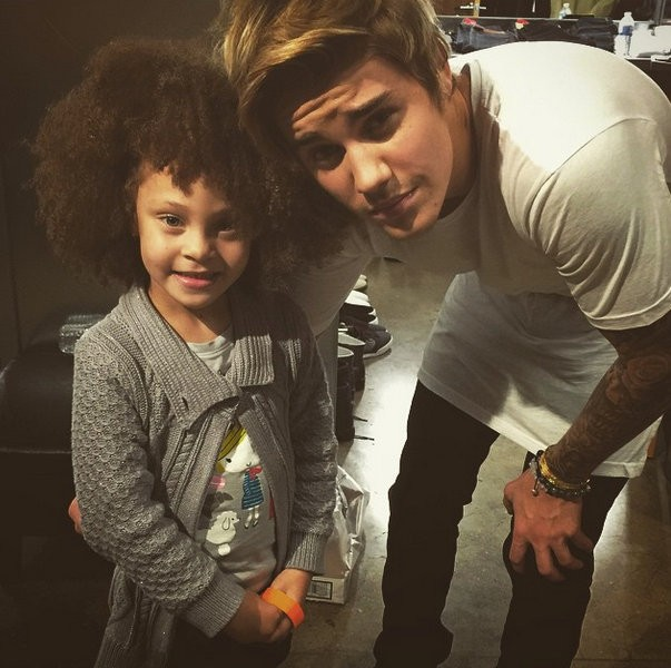 Justin Bieber,Justin Bieber baby,Justin bieber with children pics,Justin Beiber pics,Justin beiber photos,Justin beiber with cute kids,justin biebe cute pics,baby pics,children with justin bieber