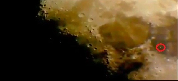 UFO spotted on Moon Surface