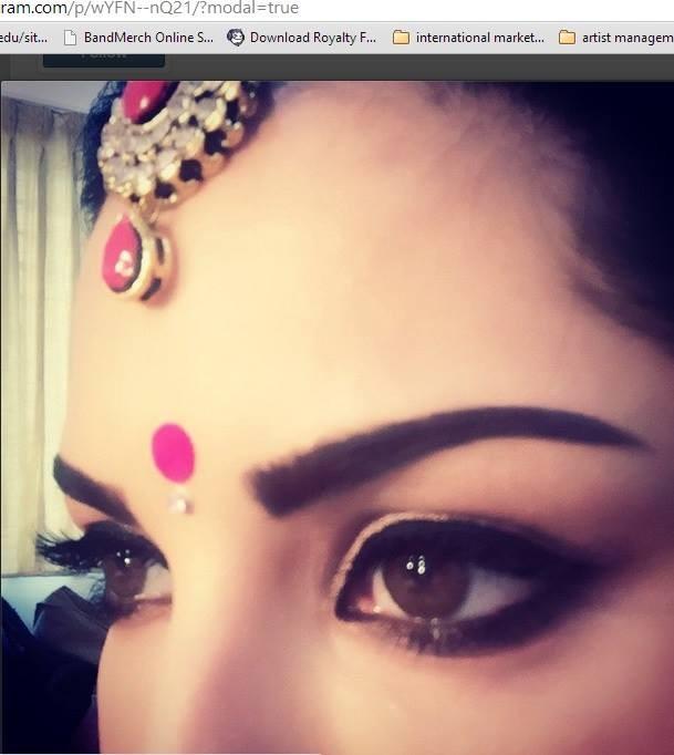 Sunny Leone's look in