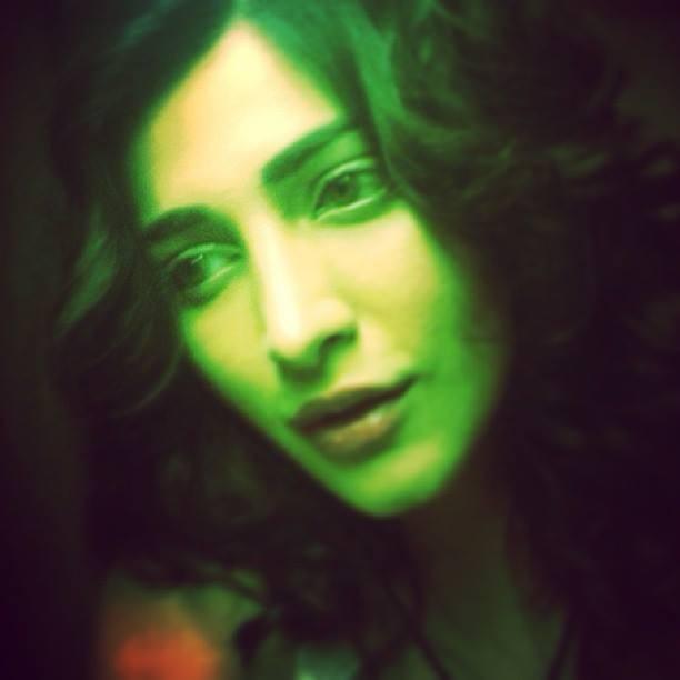 Shruti haasan,Shruti Haasan selfies,Shruti Haasan rare photos,Shruti Haasan unseen photos,Shruti Haasan upcoming films,Shruti Haasan photos