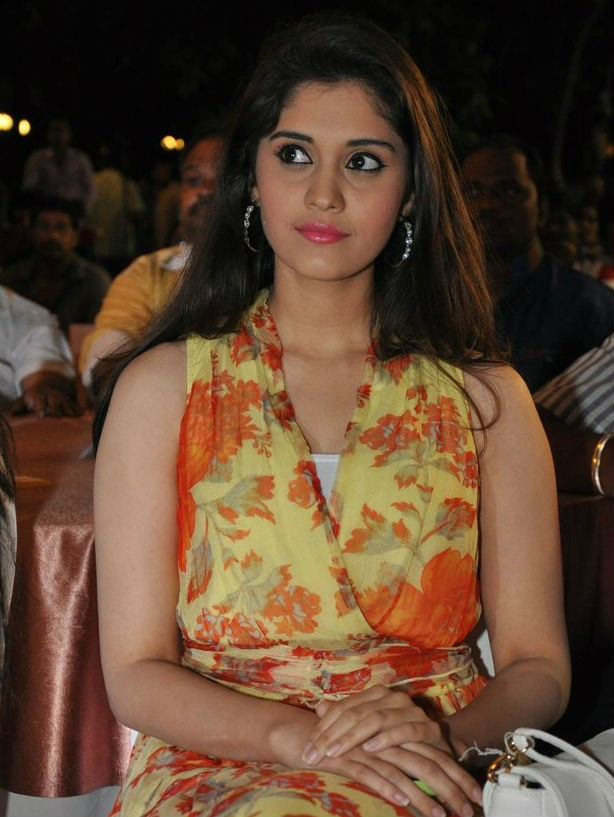 Surabhi Latest Photos,Surabhi Latest pics,Surabhi Latest images,Surabhi,actress Surabhi,Surabhi pics,Surabhi images,Surabhi hot pics,south indian actress